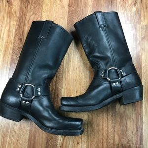 FRYE Heirloom Harness Leather Pull On Boots 9.5